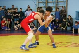 В Омске состоялся борцовский турнир памяти тренеров