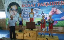 Омские борцы привезли из Казахстана пятнадцать наград