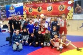Омские борцы завоевали девять медалей на турнире «Юный богатырь»