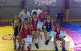 Омские борцы завоевали бронзу в Геленджике
