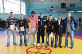 Борцовский турнир памяти Юрия Сапожникова прошел в Омске в 52-й раз