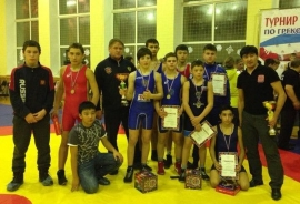 Омские борцы завоевали 15 медалей на турнире городов России