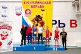 Омские борцы завоевали пять медалей на первенстве Сибири