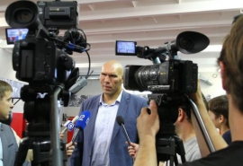 Николай Валуев в Омске заценил новый зал СибГУФК и поговорил со студентами о жизни