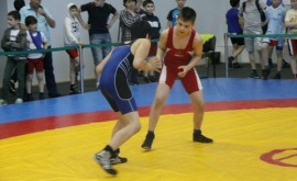 Шесть омских борцовских наград на спортивном фестивале в Тюмени