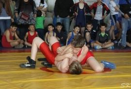 В Новоомском прошел турнир, посвященный Дню Победы