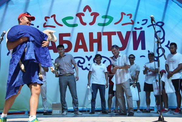 Сабантуй Омск борьба на поясах татары