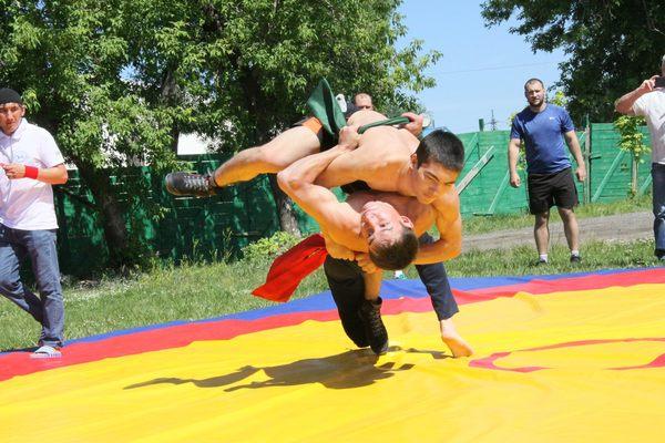 Сабантуй омск татары Борьба на поясах